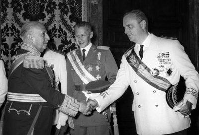 Francisco-Franco-y-el-ministro-de-Turismo-Manuel-Fraga-696x475.jpg