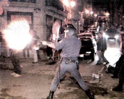 folgaxeral_carga_policia_rua_carral_vigo.jpg