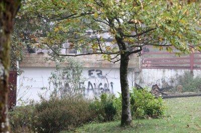l-inscription-eh-ez-da-sagai-qui-signifie-le-pays_1468252_460x306.jpg